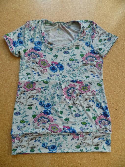 graues Blümchen-Shirt